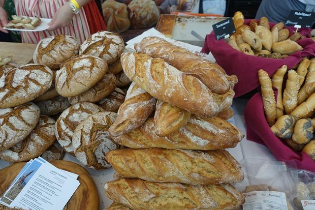 Brot und Baguette aus dem Laufener Landweizen beim Biobäcker Itzlinger © f2m