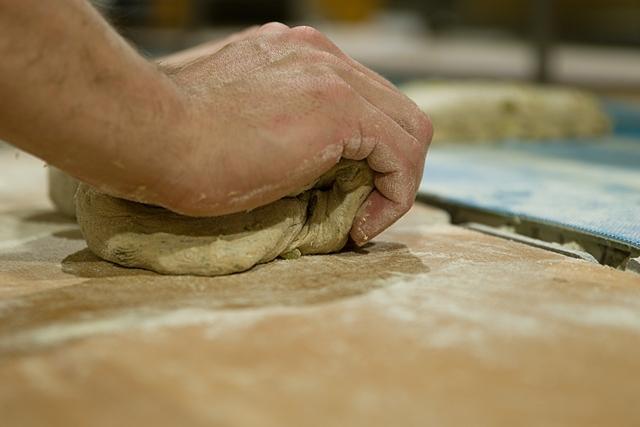 Brot rundwirken